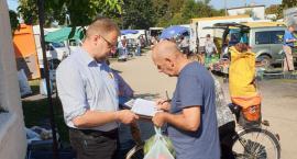Bezpartyjni i Samorządowcy zbierali podpisy w Wyszogrodzie. Ludzie są zainteresowani...