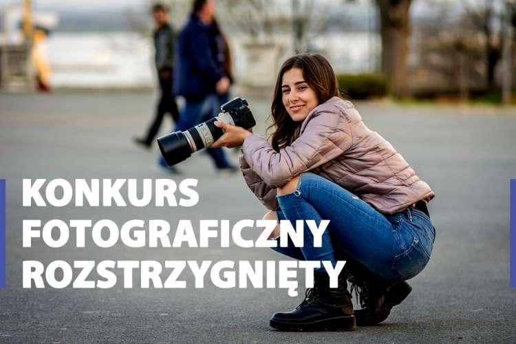 Konkursy i zawody, Zwycięzcy konkursie lokalnie pokaż zdjęciu - zdjęcie, fotografia