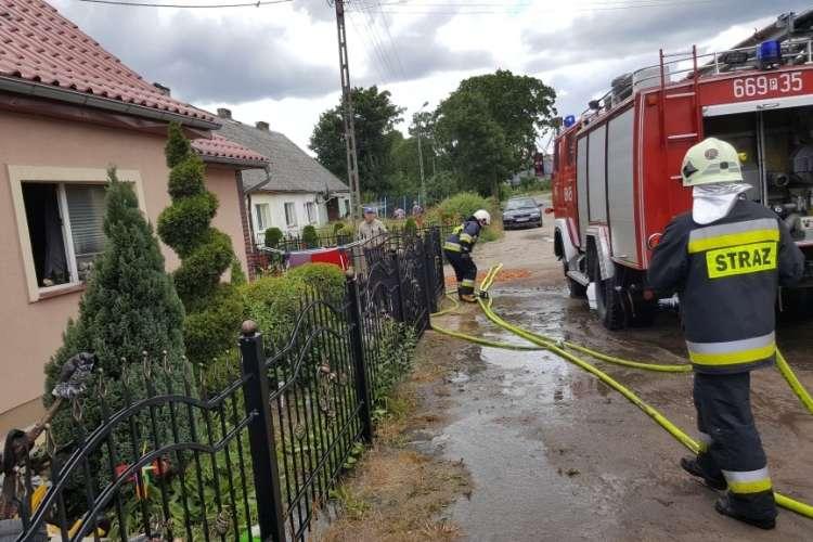 Straż pożarna, Pożar mieszkania Skokach - zdjęcie, fotografia