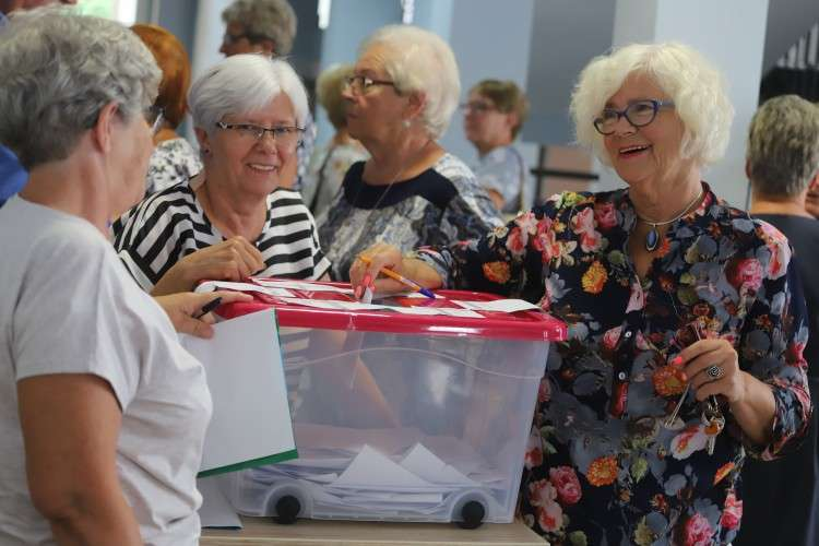 Seniorzy, Zarząd wybrany! - zdjęcie, fotografia