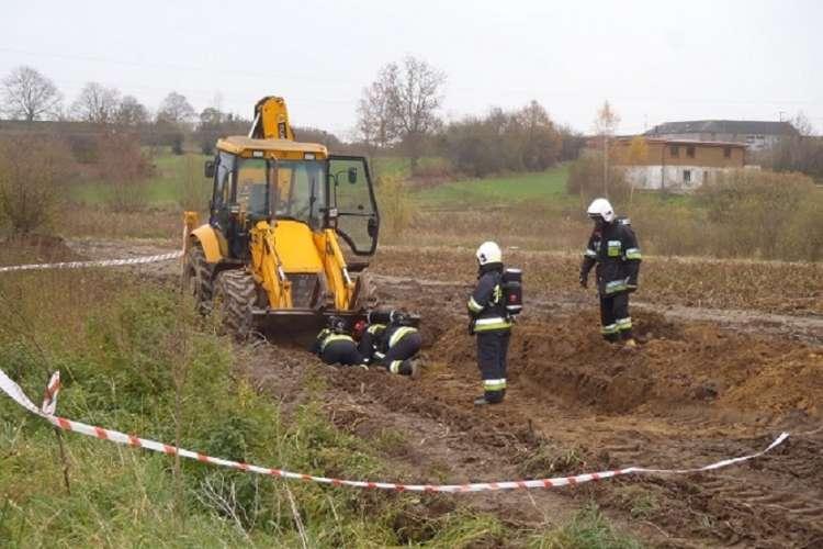 Informacje, Przerwany gazociąg - zdjęcie, fotografia