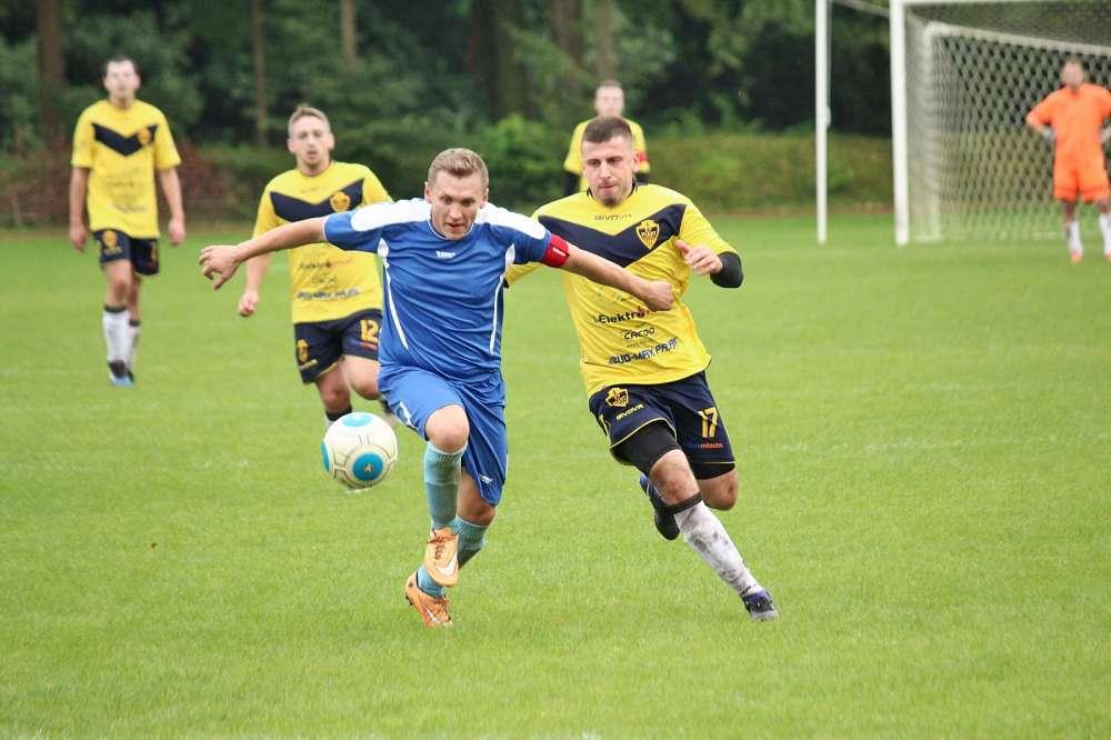 Piłka nożna, Piast Złotów kontra Noteć Miasteczko Krajeńskie - zdjęcie, fotografia