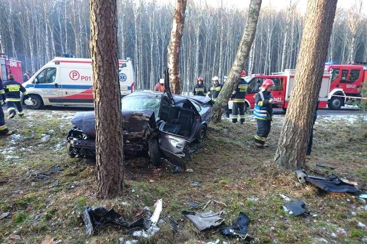 Wypadki drogowe, Wypadek samochodu osobowego Kierowca szpitalu - zdjęcie, fotografia