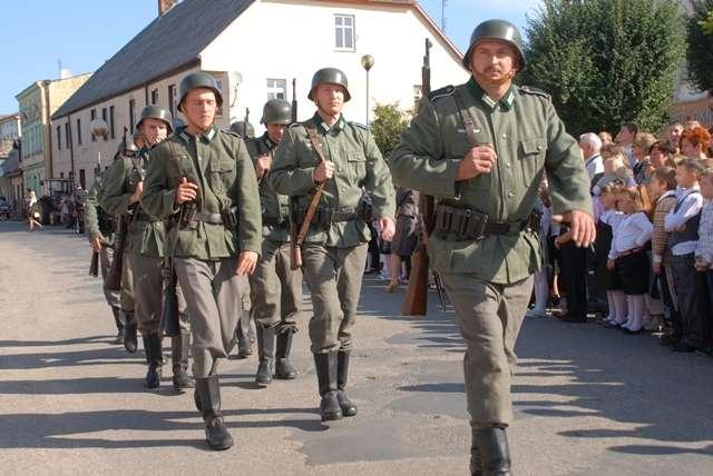 USUNIĘTE Domyślna_stara, Jeden dzień wojny - zdjęcie, fotografia