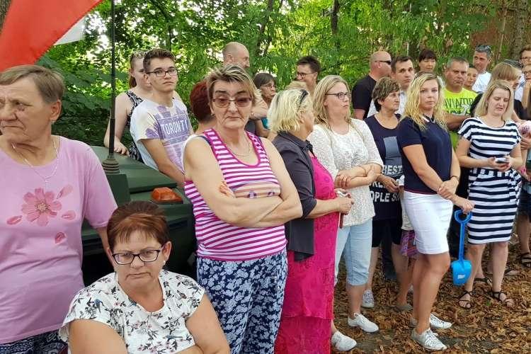 Interwencje czytelników, Protest społeczny przeciwko budowie chlewni Nowym Dworze [WIDEO] - zdjęcie, fotografia