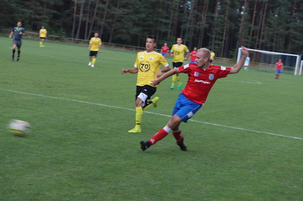 Piłka nożna, Polonia Jastrowie kontra Noteć Rosko - zdjęcie, fotografia