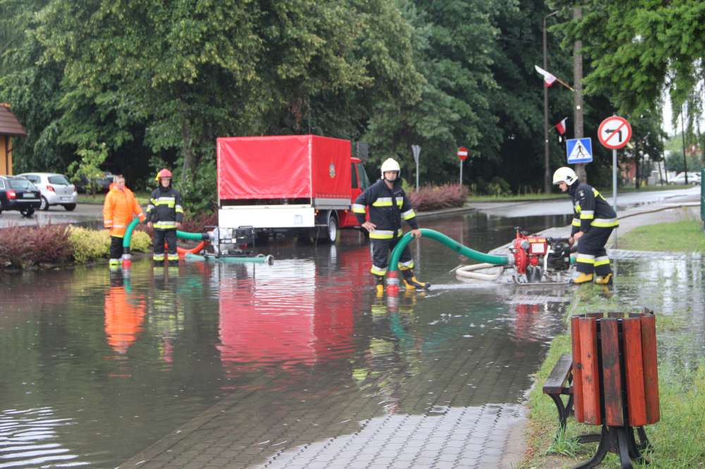 Straż pożarna, Podtopienia zalania Zakrzewie - zdjęcie, fotografia