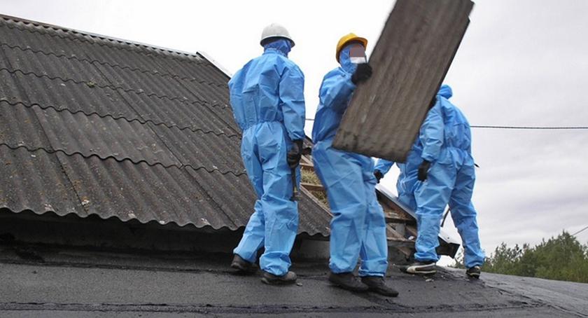Usuwanie azbestu musi odbywać się z zachowaniem wszystkich, wymaganych środków ostrożności. Materiał jest bowiem niebezpieczny dla zdrowia (zdjęcie: ECO-Pol)