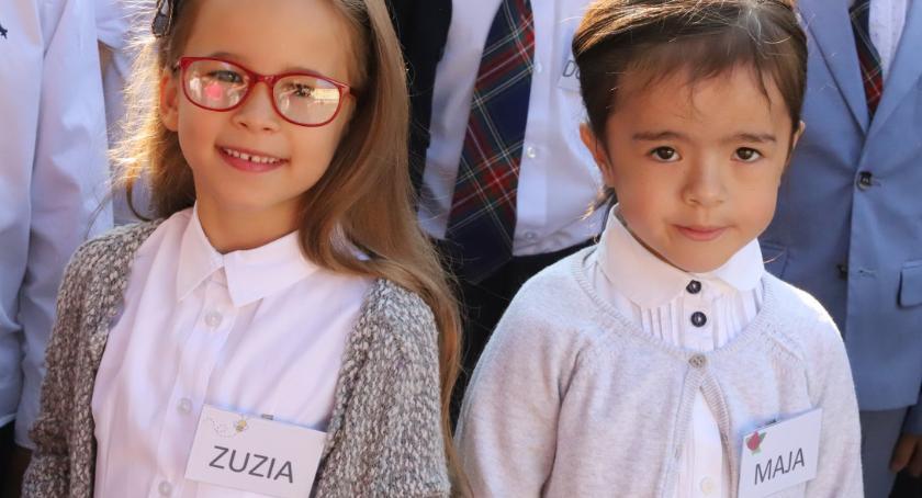 Edukacja, Rozpoczęcie nowego szkolnego Jedynce - zdjęcie, fotografia