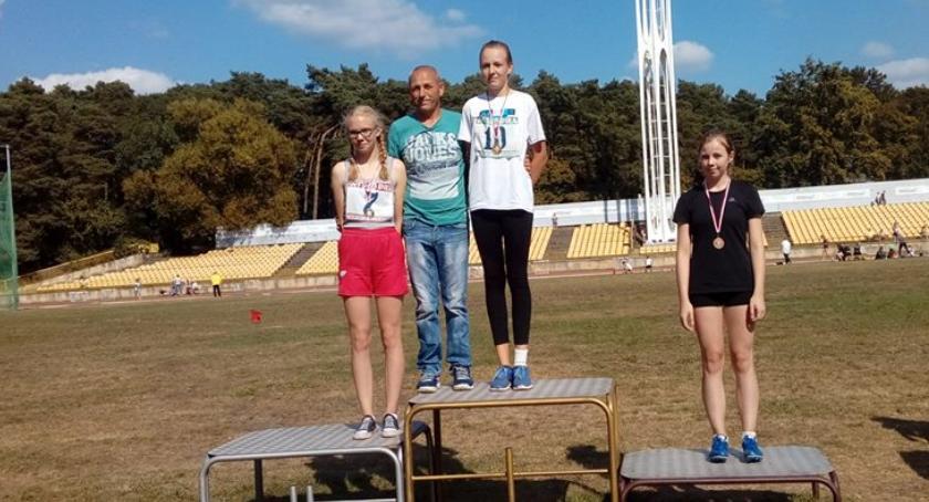 Lekkoatletyka, Krajeńscy lekkoatleci podium Międzywojewódzkich Mistrzostw Lekkiej Atletyce - zdjęcie, fotografia