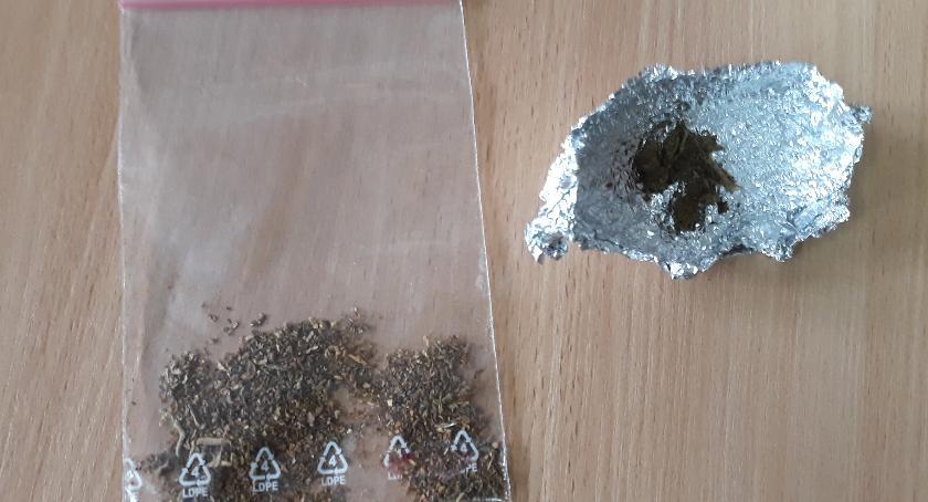 Kronika kryminalna, latek marihuaną latek ecstasy - zdjęcie, fotografia
