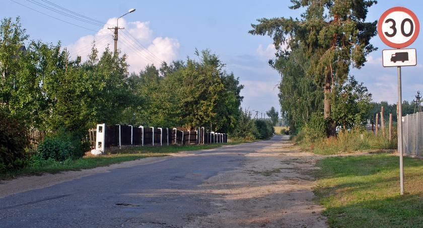 Drogi i komunikacja, Droga Nowego Dworu Starego Dzierzążna rozsypce - zdjęcie, fotografia