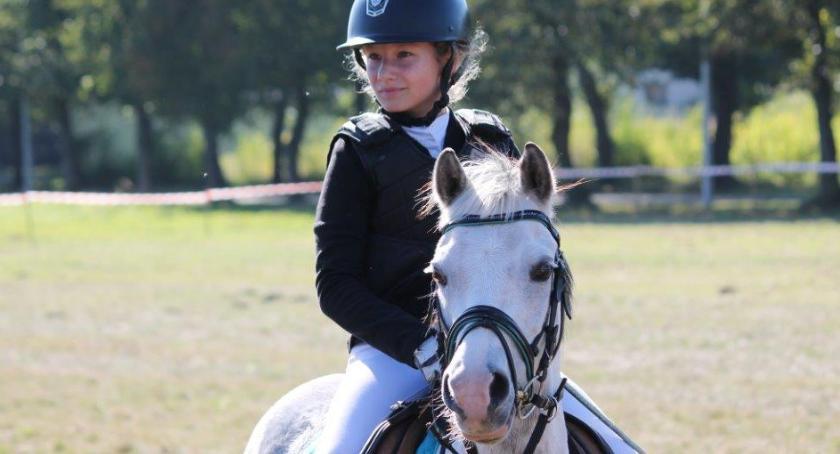 Konkursy i zawody, jeździecka Okonku - zdjęcie, fotografia