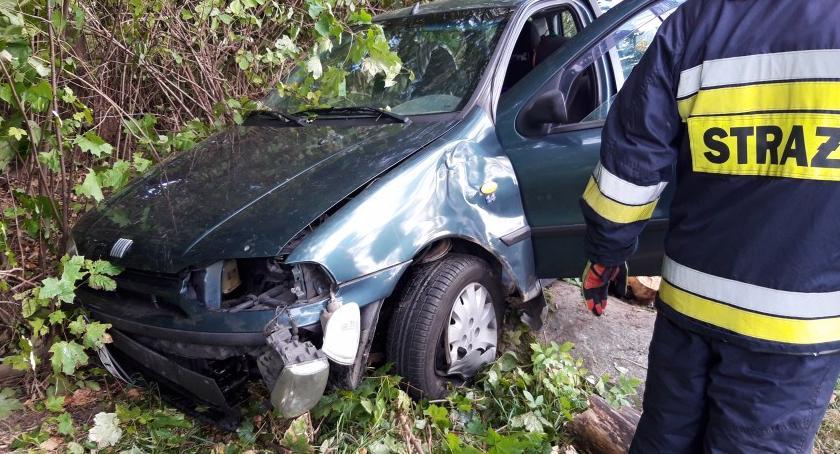 Wypadki drogowe, rowie Interweniowali strażacy - zdjęcie, fotografia