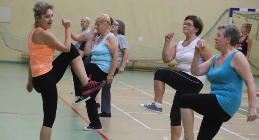 Pozostałe, Wygimnastykowane seniorki Jastrowia - zdjęcie, fotografia