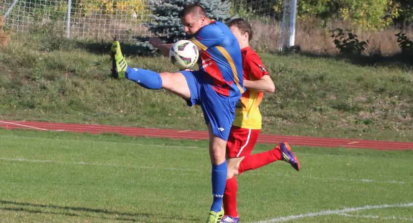 Piłka nożna, Piłkarski weekend boiskach regionie - zdjęcie, fotografia