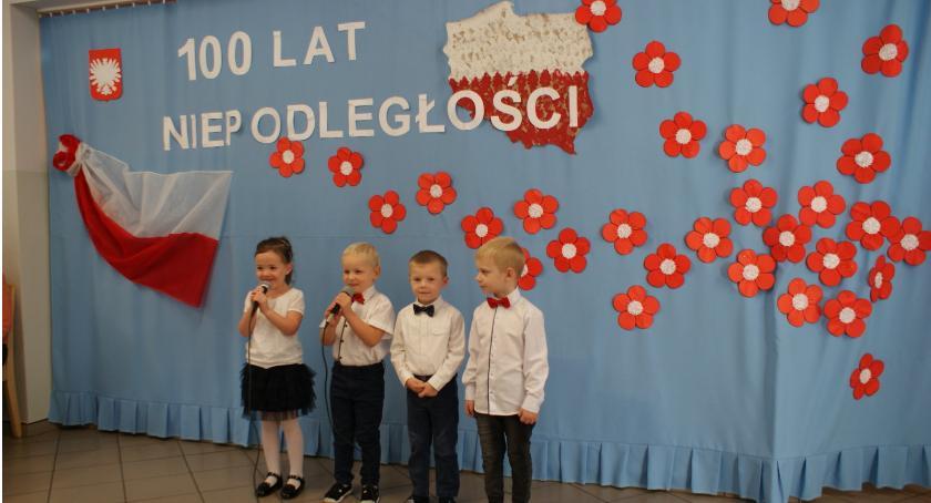 Uroczystości obchody, krokusów lecie odzyskania Niepodległości - zdjęcie, fotografia
