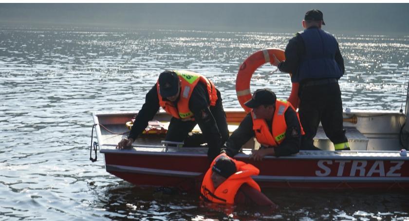 Straż pożarna, Wspólne ćwiczenia złotowskich strażaków ratowników wodnych - zdjęcie, fotografia