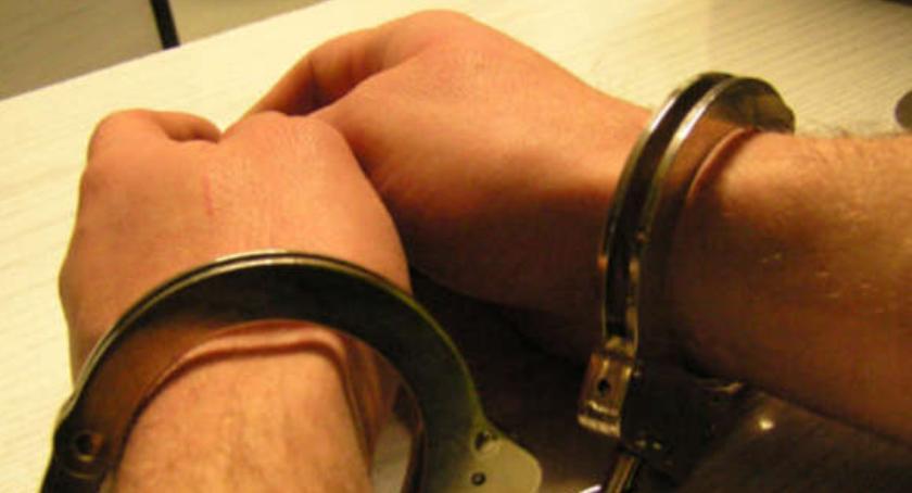 Kronika kryminalna, interwencji domowej trafił zakładu karnego - zdjęcie, fotografia