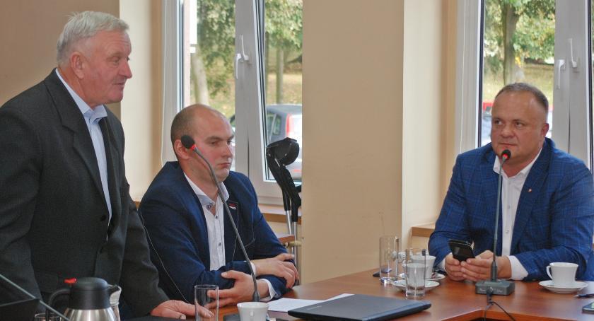 Do starosty pilskiego Eligiusza Komarowskiego kierowano pytania związane głównie z infrastrukturą powiatowych dróg i chodników