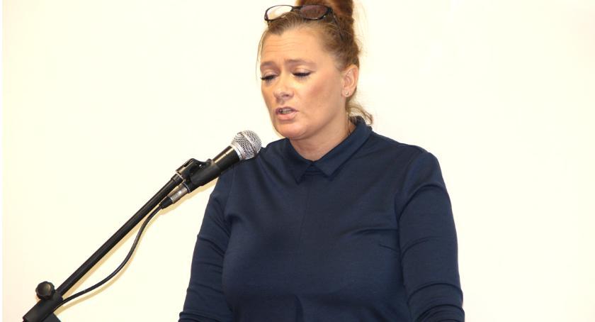 Izabela Osowska poinformowała radnych i sołtysów o przejęciu przychodni po doktorze Romanie Mendyku (Zdjęcie: Daniela Senska)
