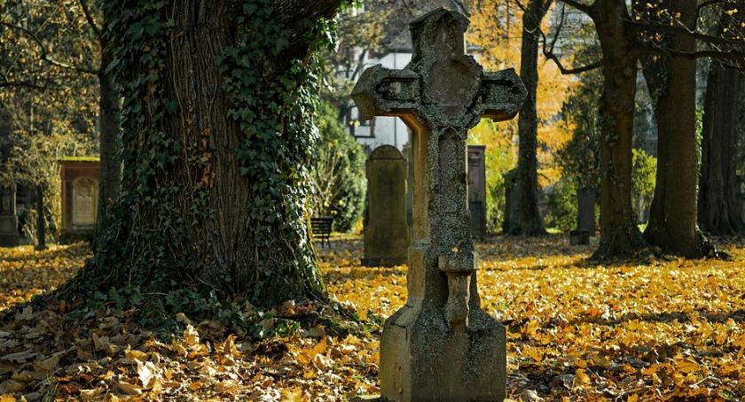 Komunikaty, Poszukiwanie zmarłych nową przeglądarką - zdjęcie, fotografia