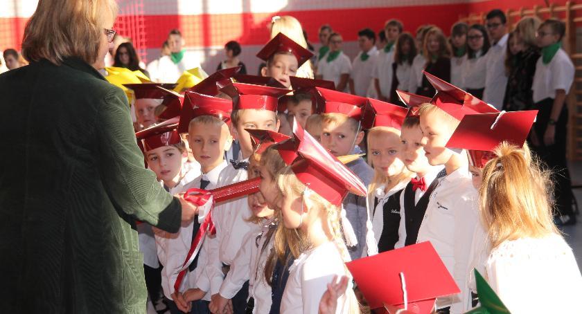 Edukacja, Pasowanie pierwszoklasistów Szkole Podstawowej Złotowie - zdjęcie, fotografia