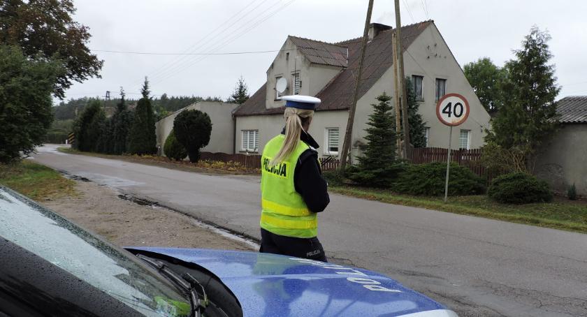 Policja - komunikaty i akcje, Policjanci zatrzymali prawa jazdy trzem lekkomyślnym kierowcom - zdjęcie, fotografia