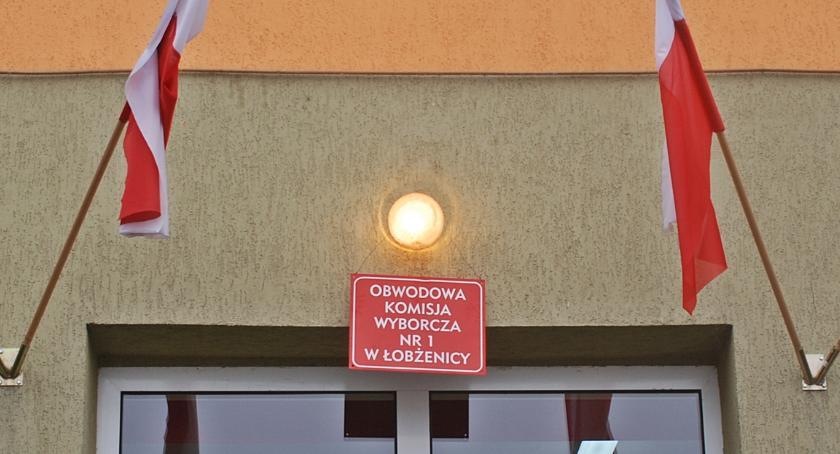 Mieszkańcy gminy Łobżenica głosują