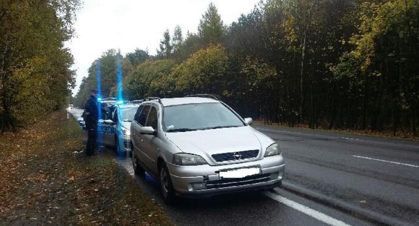 Kronika kryminalna, Dwójka nastolatków podróżowała kradzionym autem - zdjęcie, fotografia