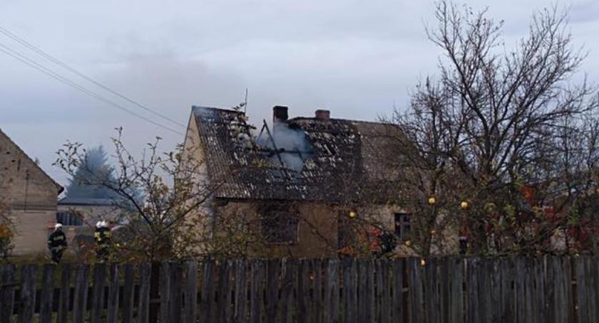 Straż pożarna, Pożar budynku mieszkalnego Świętej - zdjęcie, fotografia