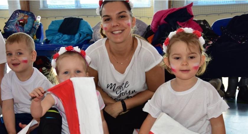 Uroczystości obchody, Biało Czerwona Olimpiada przedszkolaka Tarnówce - zdjęcie, fotografia
