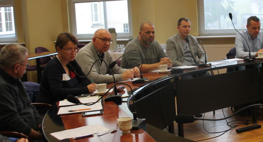 Inwestycje w powiecie, Radni dyskutowali budżetem - zdjęcie, fotografia