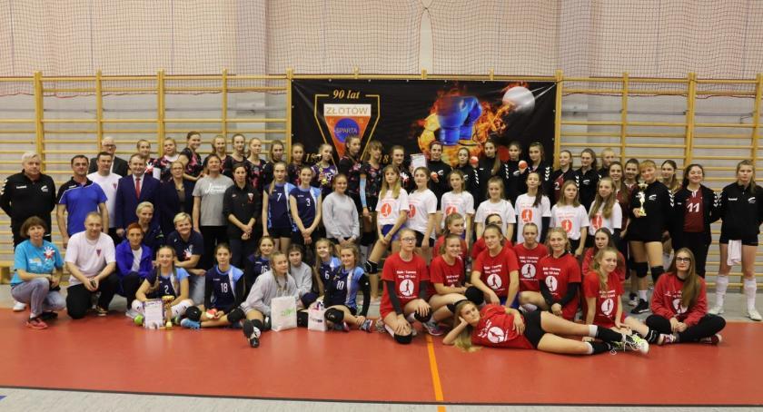 Siatkówka, Ogólnopolski Turniej Piłki Siatkowej okazji Niepodległości - zdjęcie, fotografia