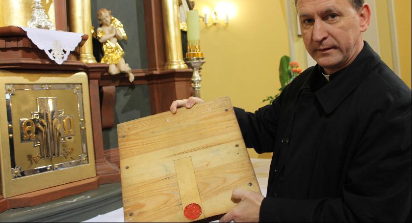 To jedna z największych tajemnic kościoła. Do kogo należą te relikwie?