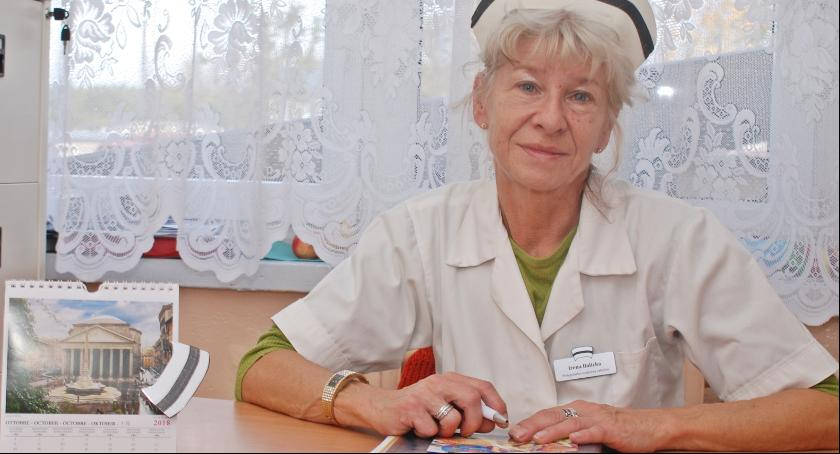 Irena Balicka ma wieloletnią praktykę w zawodzie oraz bagaż obserwacji i doświadczeń. Tym samym bez problemu rozpoznaje co jest przyczyną złego samopoczucia uczniów