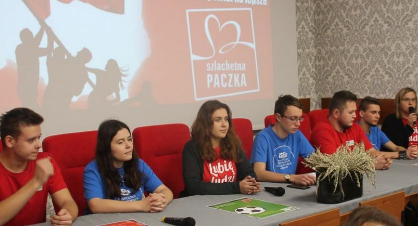 Charytatywnie, Konferencja prasowa uczestników akcji Szlachetna Paczka CKZiU - zdjęcie, fotografia