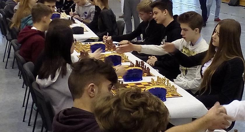 Konkursy i zawody, Szachiści Jedynki Finale Województwa Wielkopolskiego szachach drużynowych - zdjęcie, fotografia