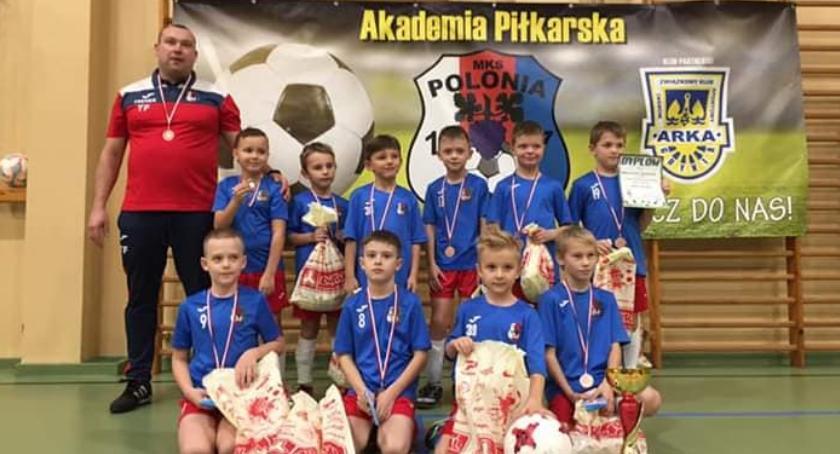 Piłka nożna, Jastrowie zwycięskie! piłkarzy Polonii - zdjęcie, fotografia