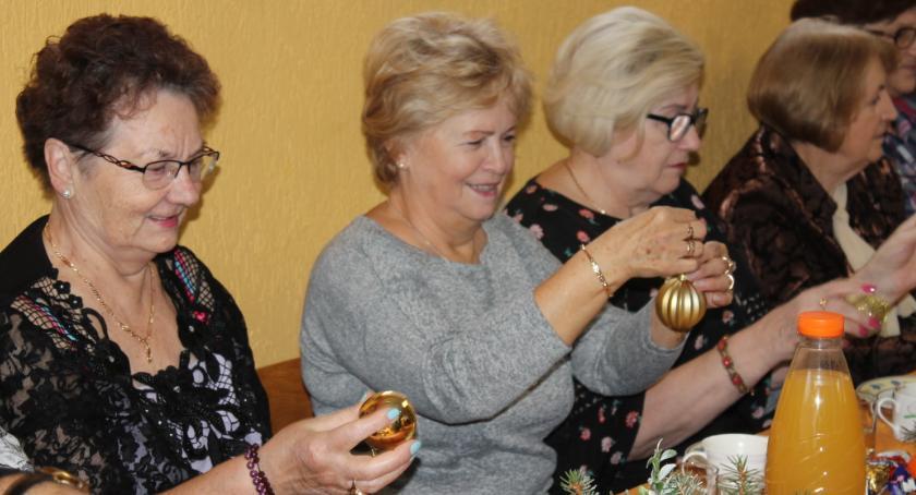 Seniorzy, Mikołajki Okonku - zdjęcie, fotografia