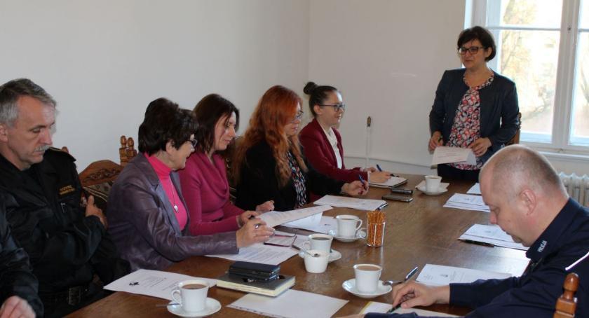 Samorządowcy, Posiedzenie Powiatowego Zespołu Zarządzania Kryzysowego - zdjęcie, fotografia