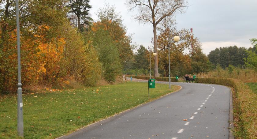 Promenada przechodzi przez prywatną działkę na odcinku kilkunastu metrów