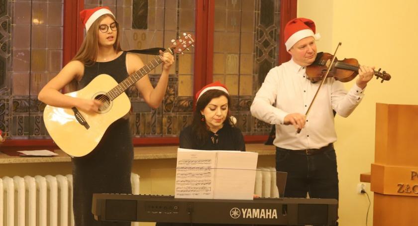 Koncerty muzyka, Koncert Świąteczny uczniów Szkoły Muzycznej stopnia Złotowie - zdjęcie, fotografia