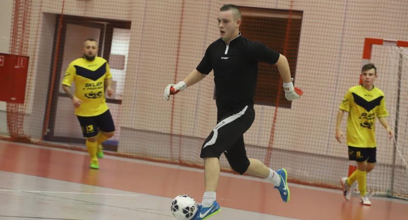 Piłka nożna, Złotowska Futsalu kolejka - zdjęcie, fotografia