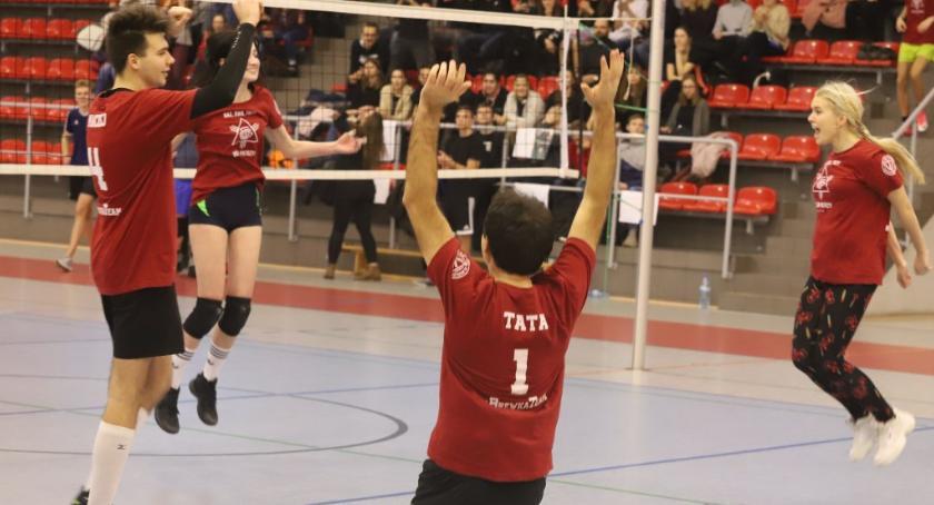 Siatkówka, Szkolne Mistrzostwa Siatkówce - zdjęcie, fotografia