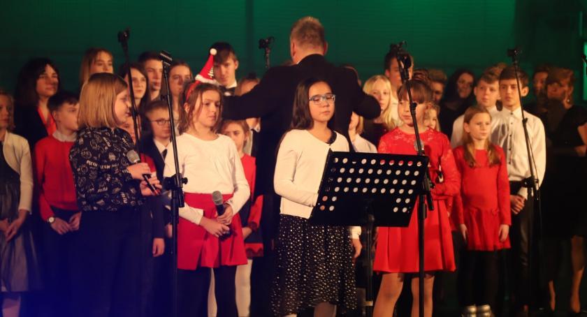 Charytatywnie, Koncert Serduszka Złotowian Jedynką - zdjęcie, fotografia