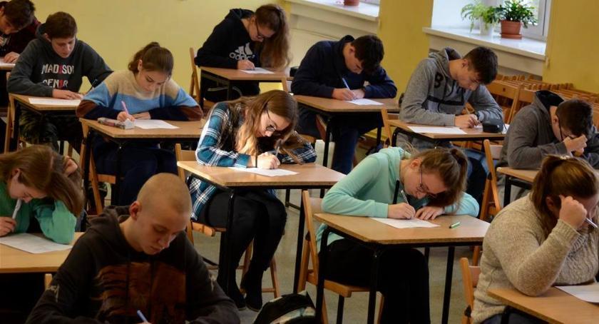 Edukacja, Polonistyczne łamigłówki Ekonomie - zdjęcie, fotografia