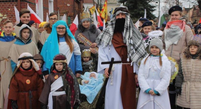 Uroczystości obchody, Jastrowie barwnym pochodzie - zdjęcie, fotografia