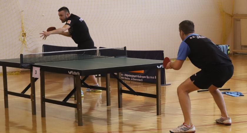 Tenis stołowy, Weekendowe zmagania tenisistów stołowych Sparty Złotów - zdjęcie, fotografia