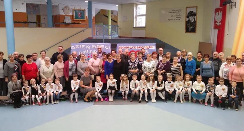 Uroczystości obchody, Dzień Babci Dziadka Przedszkolu Świetej - zdjęcie, fotografia